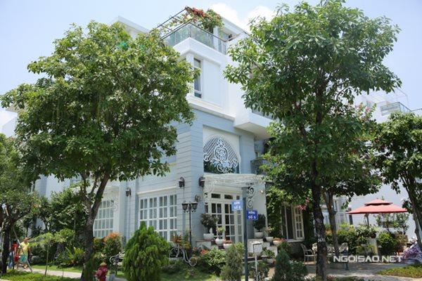 """""""Lâu đài"""" nửa triệu đô nhà Thuý Hạnh - Minh Khang khiến mọi người phải suýt xoa - Ảnh 1"""