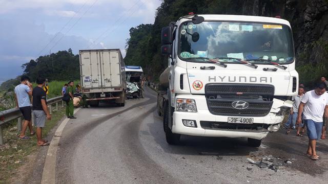 Tai nạn liên tiếp tại đèo Thung Khe, Hòa Bình khiến 5 người trọng thương - Ảnh 1