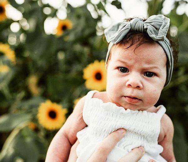 """Phì cười với bé gái luôn mang biểu cảm """"giận cả thế giới"""" từ khi mới sinh - Ảnh 8"""