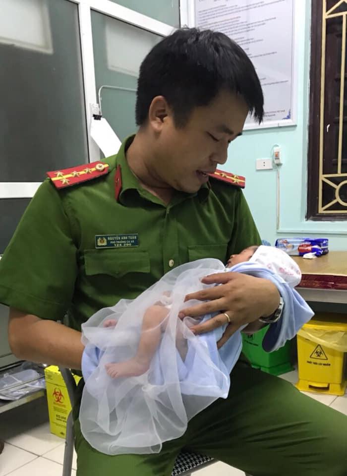 """Mẹ bỏ con sơ sinh 7 ngày trong làn nhờ người """"nuôi giúp"""" - Ảnh 1"""