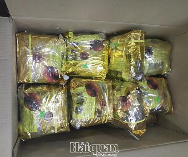 Nghệ An: Trùm ma túy lật xe, đổ nửa tạ ma túy đá xuống đường - Ảnh 4