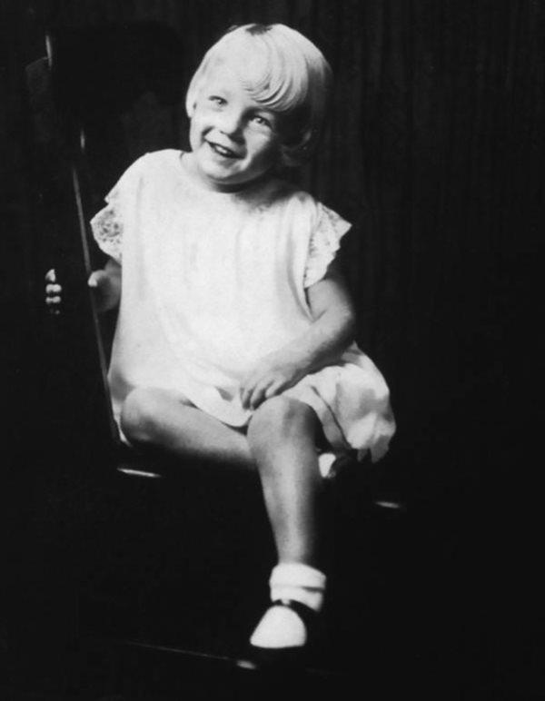 """Cuộc đời bất hạnh của """"biểu tượng sex"""" Hollywood thế kỷ 20 Marilyn Monroe - Ảnh 1"""