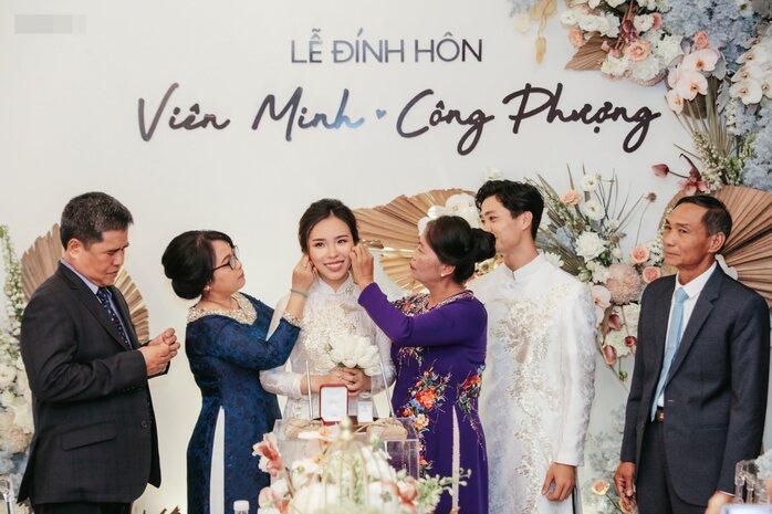 Công Phượng - Viên Minh tung bộ ảnh đính hôn siêu đẹp và lãng mạn - Ảnh 5