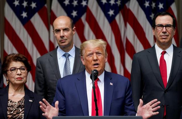Tổng thống Trump hứng chỉ trích vì nhắc đến Floyd trong khi khoe thành tựu kinh tế - Ảnh 1