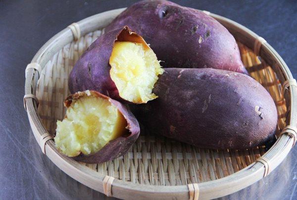 Sai lầm nguy hiểm khi ăn khoai lang không đúng cách - Ảnh 1