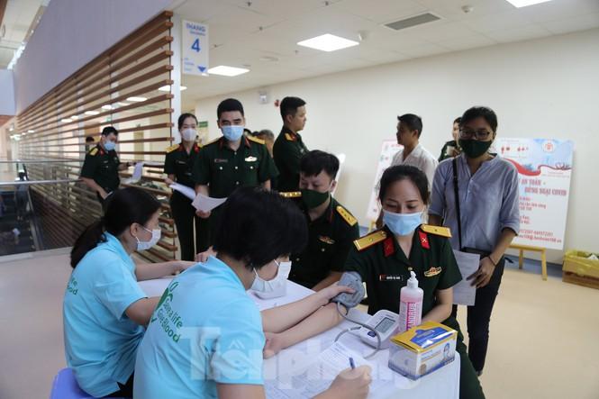 Tuổi trẻ Bộ Tư lệnh 86 tích cực tham gia hiến máu tình nguyện - Ảnh 1
