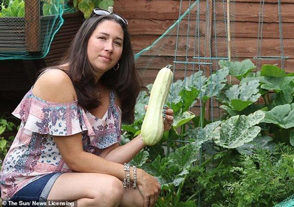 Người phụ nữ ngộ độc vì ăn bí tự trồng, chuyên gia đưa ra lời khuyên - Ảnh 1