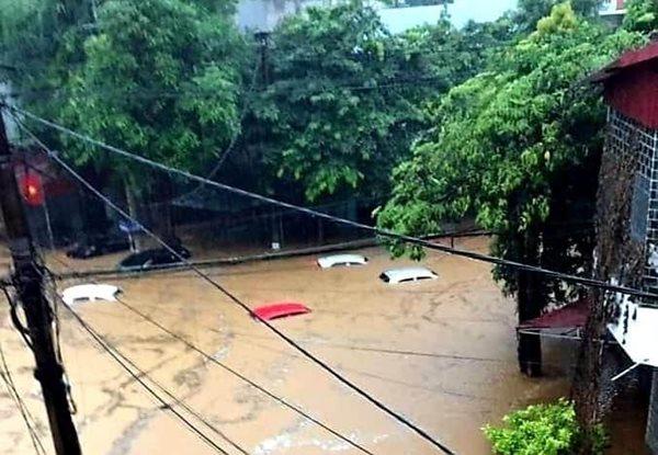 Cộng đồng mạng cập nhật liên tục hình ảnh, clip mưa lũ lớn Hà Giang - Ảnh 2