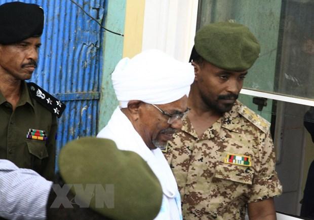Tham gia đảo chính từ hơn 30 năm trước, cựu tổng thống Sudan đối mặt án tử - Ảnh 1