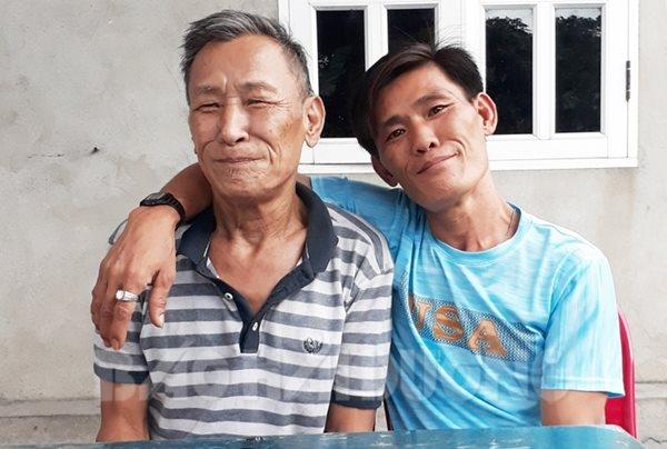 Cuộc hội ngộ kỳ lạ đến ngỡ ngàng của cặp anh em sinh đôi bị bố mẹ cho đi từ 43 năm về trước - Ảnh 6
