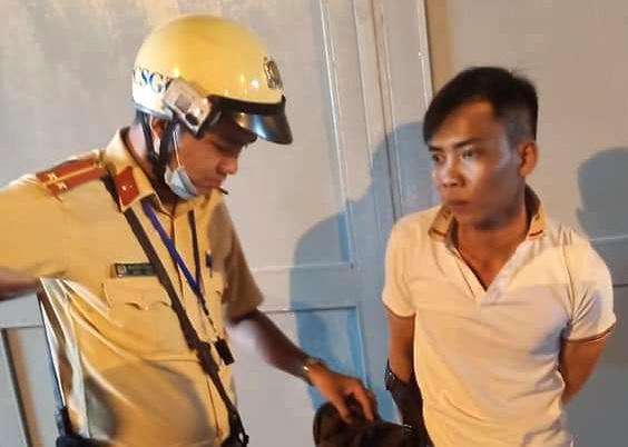 TP.HCM: Bị cảnh sát truy đuổi, kẻ cướp giật bỏ xe chạy trốn - Ảnh 1