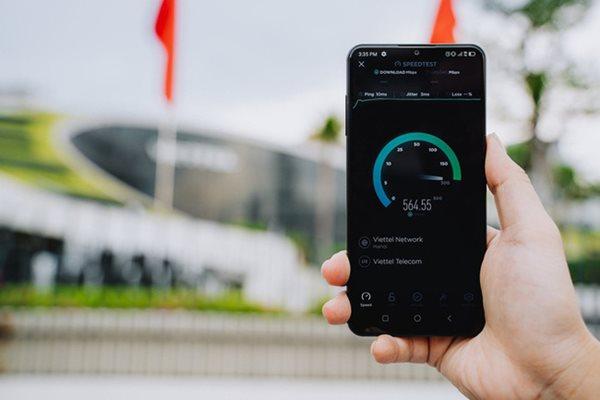 Tin tức công nghệ mới nóng nhất hôm nay 8/7: Việt Nam có Smartphone 5G - Ảnh 1