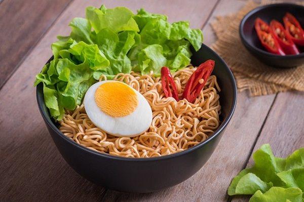 Sai lầm trong việc lựa chọn thực phẩm gây nóng trong người, nổi mụn nhọt - Ảnh 2