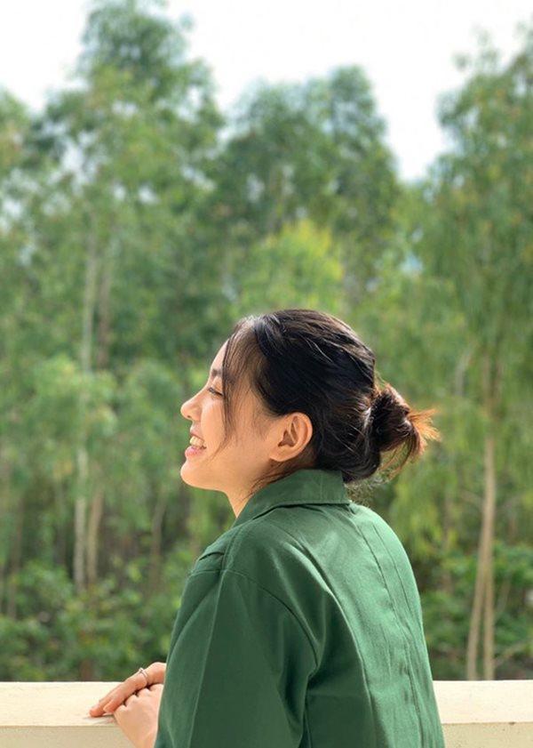 Vẻ đẹp cực phẩm của các sinh viên trong kỳ học quân sự - Ảnh 12