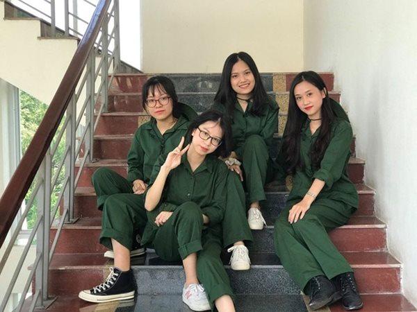 Vẻ đẹp cực phẩm của các sinh viên trong kỳ học quân sự - Ảnh 16