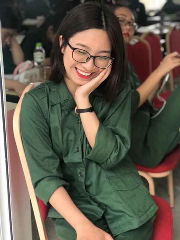 Vẻ đẹp cực phẩm của các sinh viên trong kỳ học quân sự - Ảnh 17
