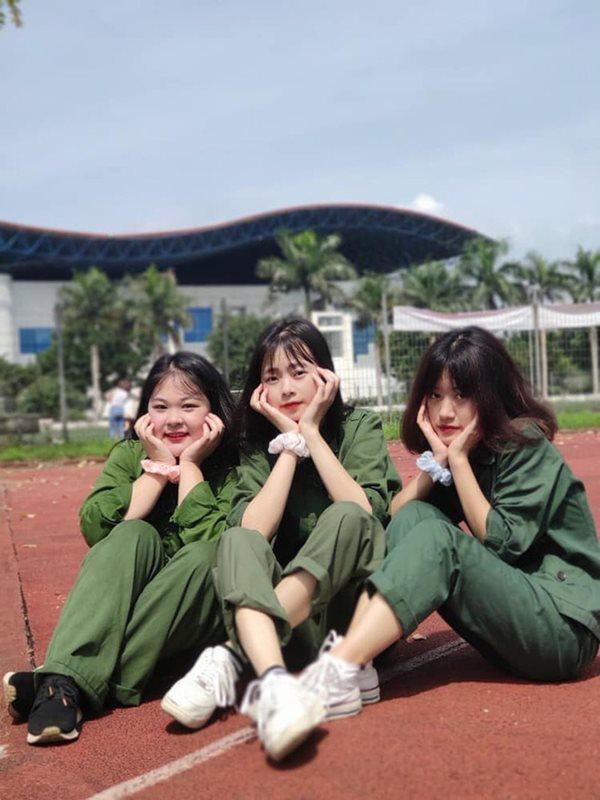 Vẻ đẹp cực phẩm của các sinh viên trong kỳ học quân sự - Ảnh 8