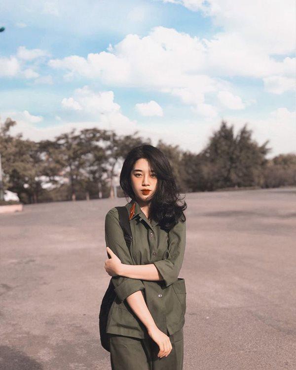 Vẻ đẹp cực phẩm của các sinh viên trong kỳ học quân sự - Ảnh 9