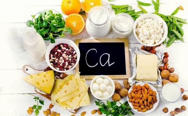Những loại thực phẩm cung cấp canxi con cho con bạn ngang với sữa - Ảnh 1