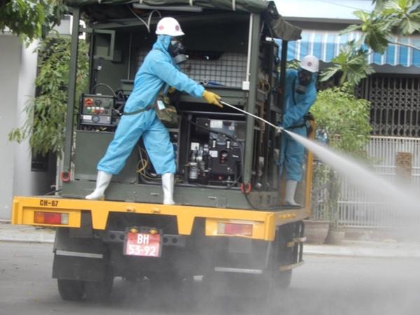Cận cảnh xe đặc chủng phun thuốc khử khuẩn toàn quận Sơn Trà - Ảnh 3