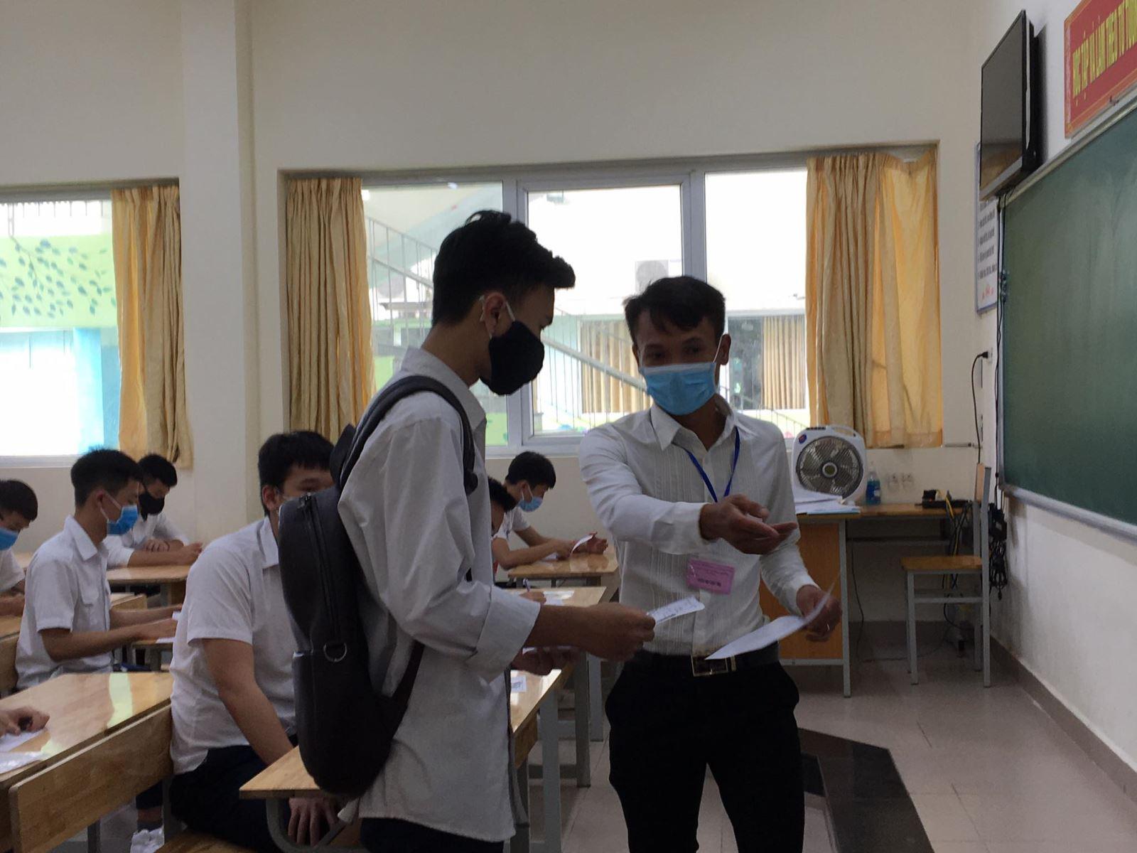 13 thí sinh bị đình chỉ sau ngày đầu tiên của kỳ thi tốt nghiệp THPTT 2020 - Ảnh 1