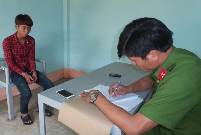 Đã bắt được đối tượng ném trọng thương cán bộ CSGT huyện Krông Pắk - Ảnh 1