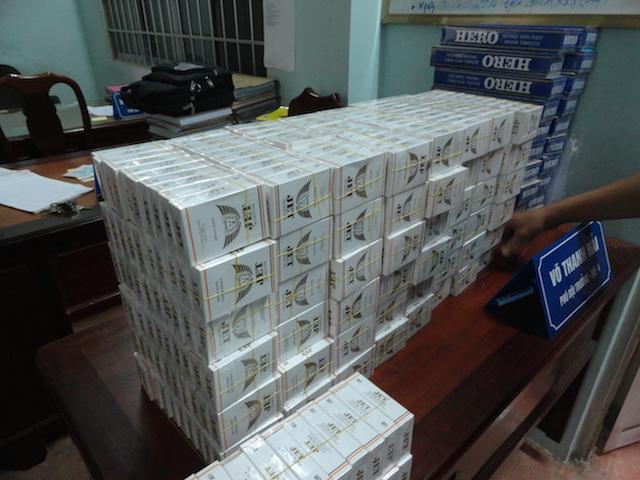 Chở thuốc lá lậu bằng xe cứu thương bị phạt gần 700 triệu đồng - Ảnh 3
