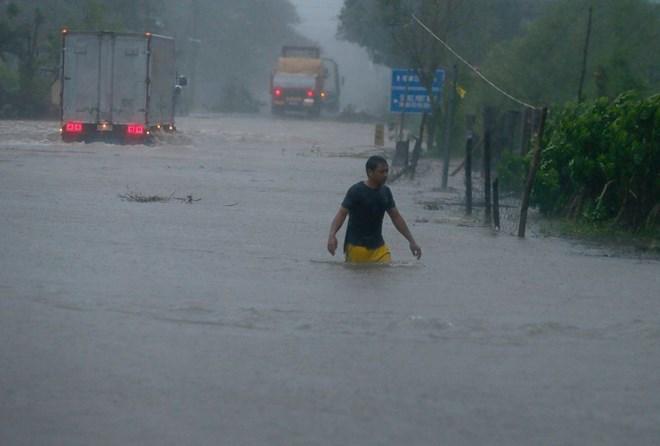 Siêu bão Haima gây thiệt hại nặng nề tại Philippines và Trung Quốc - Ảnh 1