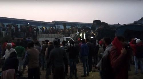 Kinh hoàng tai nạn tàu hỏa ở Ấn Độ, hơn 60 người tử vong - Ảnh 1