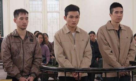 3 bị cáo trong vụ truy sát khách hàng vì … không chịu mua hoa lãnh án - Ảnh 1