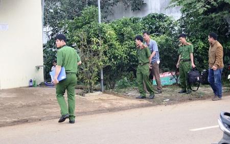 Truy bắt 2 nghi can chém chết người trong nhà vệ sinh  - Ảnh 1