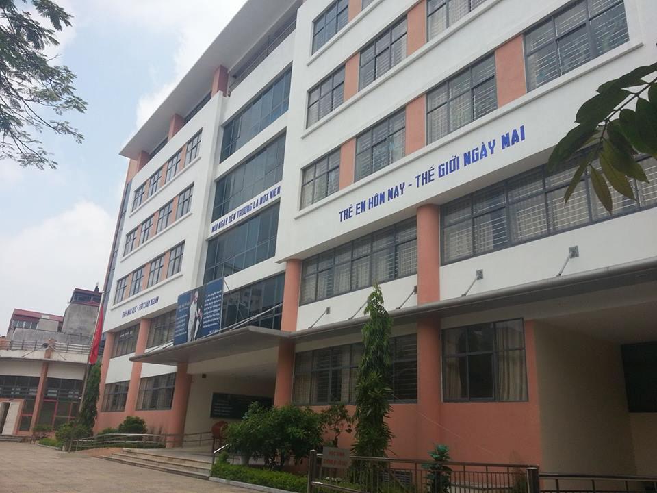 Hà Nội: Giáo viên tiểu học báo mất trộm điện thoại Vertu gần nửa tỷ  - Ảnh 2
