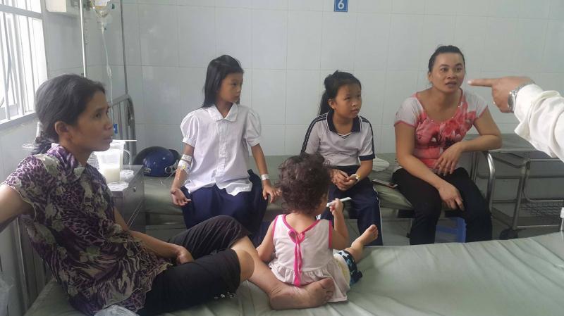 Vụ hàng trăm học sinh Hậu Giang ngộ độc: Sữa Milo được pha chế trong nhà trọ - Ảnh 2