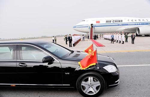 Chủ tịch Trung Quốc Tập Cận Bình lên máy bay rời Hà Nội - Ảnh 2