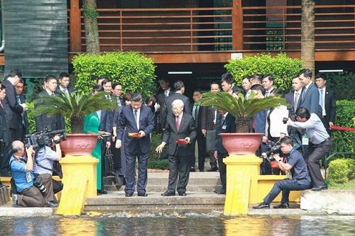 Chủ tịch Trung Quốc Tập Cận Bình lên máy bay rời Hà Nội - Ảnh 4