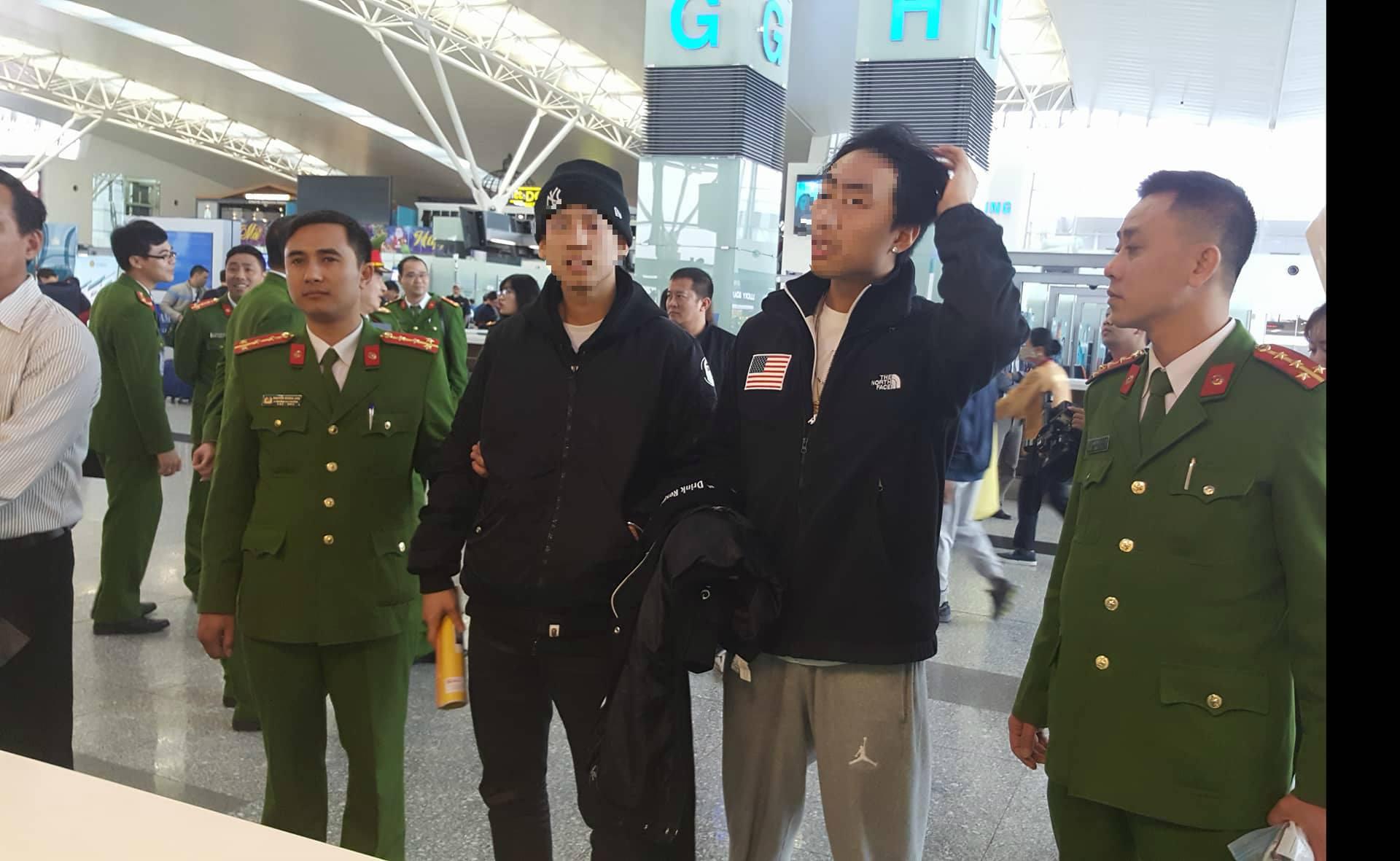 Công an Việt Nam bàn giao 2 đối tượng truy nã quốc tế cho phía Hàn Quốc - Ảnh 1