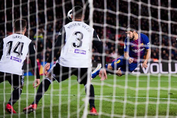 Clip: Suarez tỏa sáng, Barcelona đánh bại Valencia 1-0 - Ảnh 3