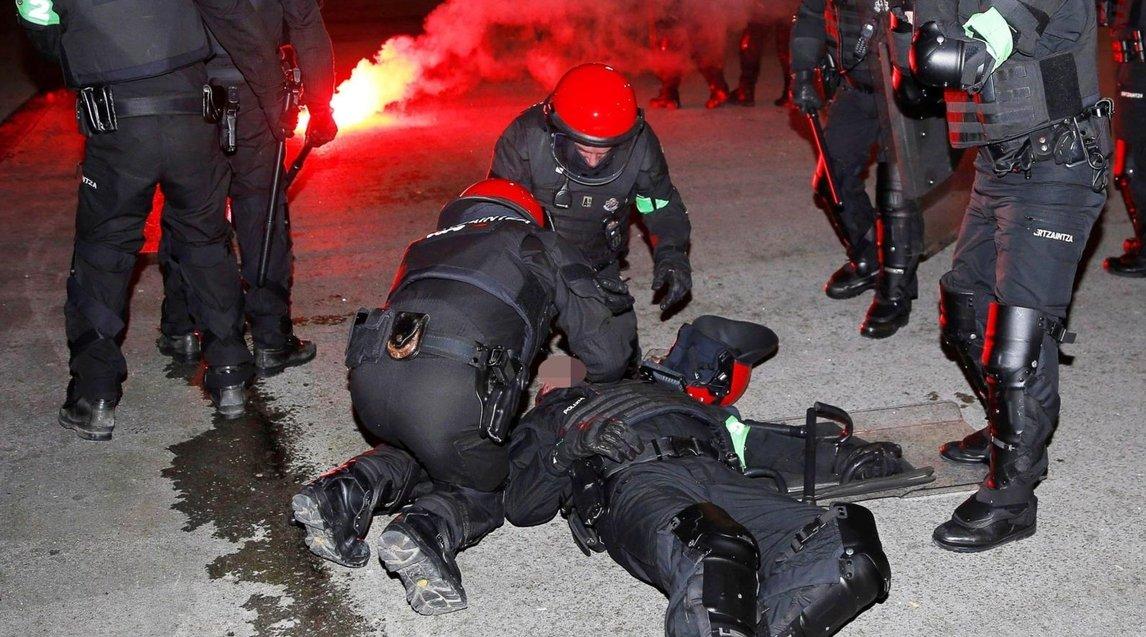 Cảnh sát thiệt mạng trong trận hỗn chiến CĐV Bilbao-Spartak Moscow - Ảnh 3