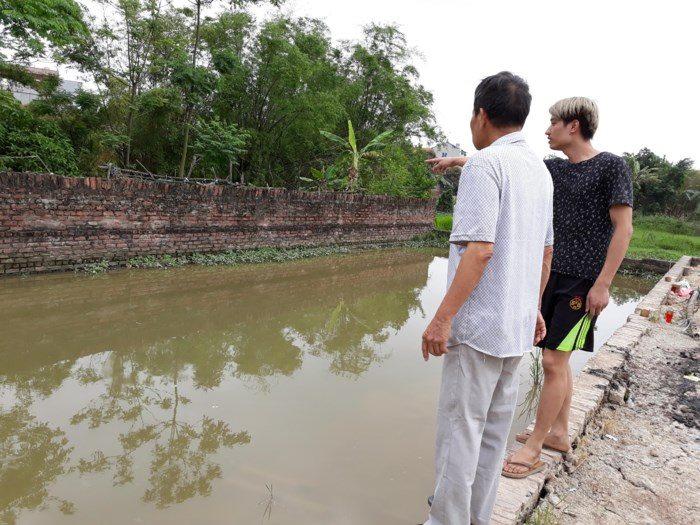 Chủ tịch Hà Nội chỉ đạo khẩn vụ 2 cháu bé tử vong ở hố nước sâu - Ảnh 1