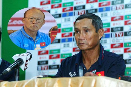 Hành xử bất ngờ của HLV Mai Đức Chung với đồng nghiệp Park Hang-seo - Ảnh 1