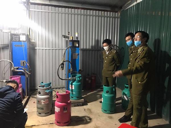 Hải Phòng: Triệt phá cơ sở sang chiết gas lậu lớn ngay gần trụ sở UBND quận - Ảnh 2