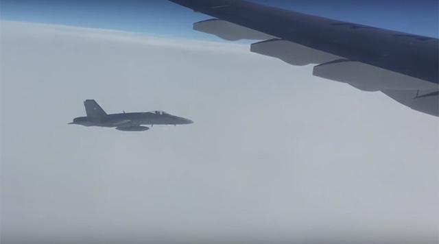 Máy bay chở nhà báo Nga đi dự APEC bị rượt đuổi - Ảnh 1