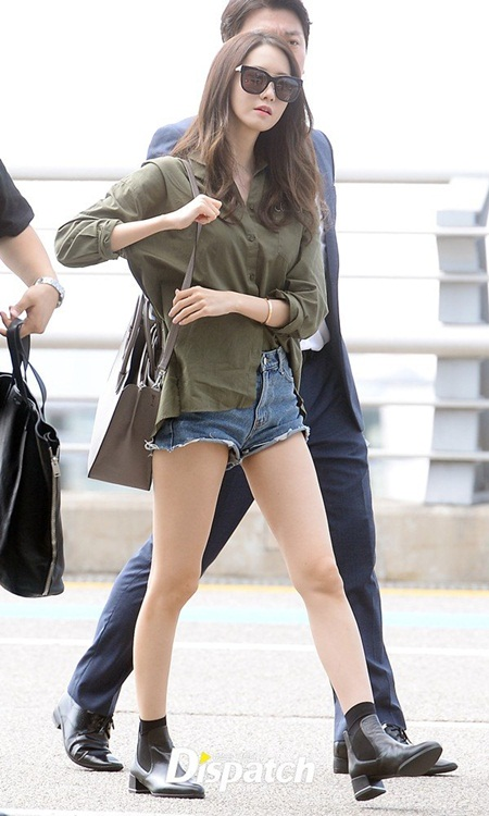 """""""Bóc giá"""" túi xách hàng hiệu của nữ idol thời trang nhất Kpop - Ảnh 3"""