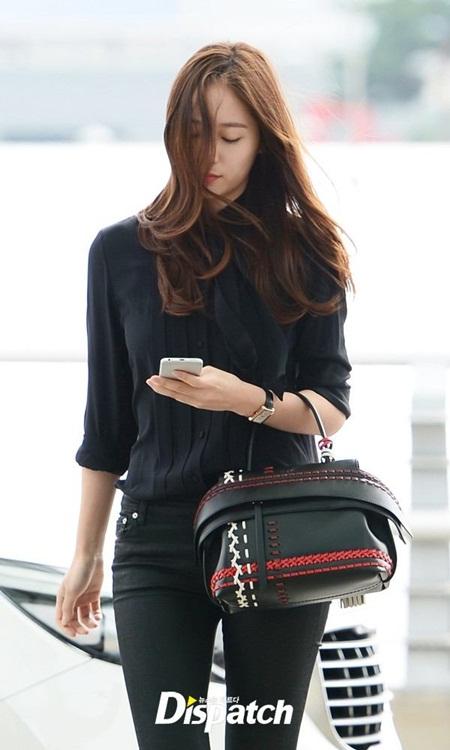 """""""Bóc giá"""" túi xách hàng hiệu của nữ idol thời trang nhất Kpop - Ảnh 6"""