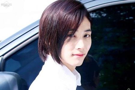 Choáng ngợp với vẻ ngoài như bước ra từ truyện tranh của idol Kpop - Ảnh 8