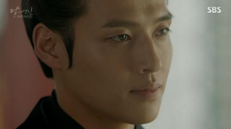 Người tình ánh trăng tập 17: Vừa đăng cơ, Lee Jun Ki đã bị ép cưới em gái - Ảnh 10