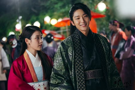 Người tình ánh trăng tập 18: Lee Jun Ki kết hôn với em gái cùng cha khác mẹ - Ảnh 2