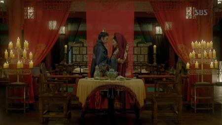 Người tình ánh trăng tập 18: Lee Jun Ki kết hôn với em gái cùng cha khác mẹ - Ảnh 14