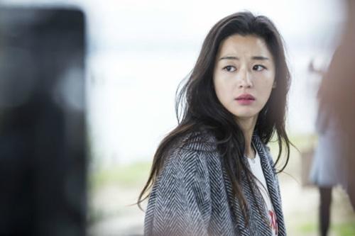 Huyền thoại biển xanh tập 4: Jun Ji Hyun tái hợp Cha Tae Hyun sau 15 năm - Ảnh 2