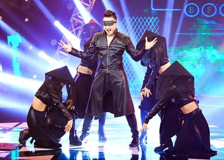 """Noo Phước Thịnh """"đốt cháy"""" sân khấu, Cao Thái Sơn vừa bịt mắt vừa hát - Ảnh 3"""